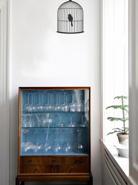 Ferm Living Birdcage WallSticker - With Ferm Living WallStickers it is easy to create a new look and change the style in a room in a matter of minutes. By using WallStickers, your kids can also help decorate their own room in an array of colors.