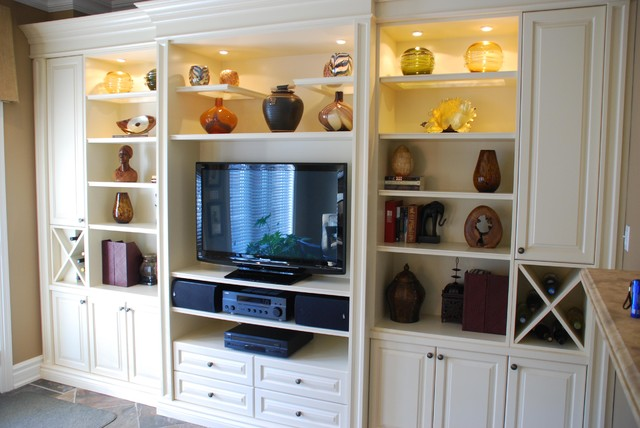 Kitchen eating area built-in traditional