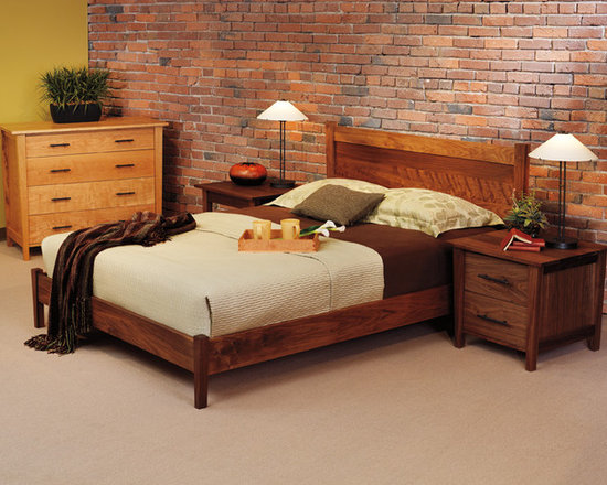 BERKELEY BED - The Berkeley collection has crisp, beautiful lines that are sure to please. With a broad top and narrowing footprint, the pieces in this collection are truly interesting. The berkeley style is right at home with styles from country to contemporary.