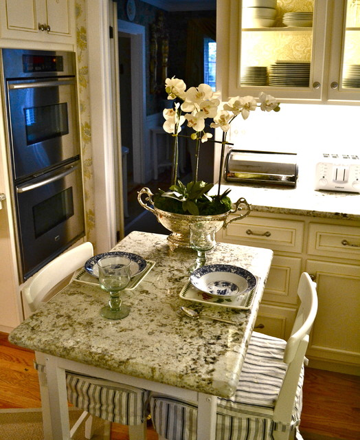28 tiny french kitchen 33 cool small kitchen ideas digsdigs