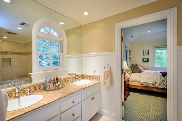 Bridge Drive traditional-bathroom