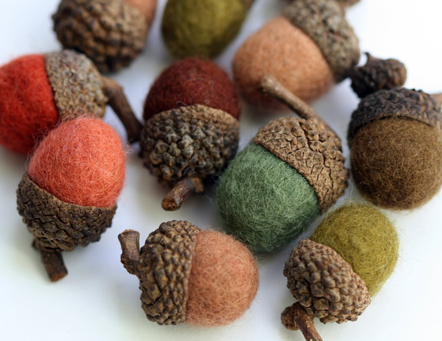 Felted Wool Acorns by ZM Felt modern holiday decorations
