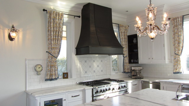 South Shore Residence traditional-kitchen