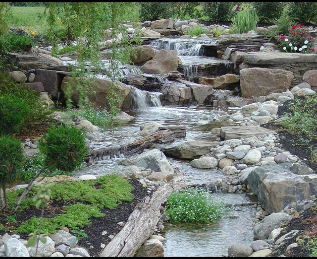 Pondless waterfalls disappearing waterfalls low for Ideas for low water landscapes