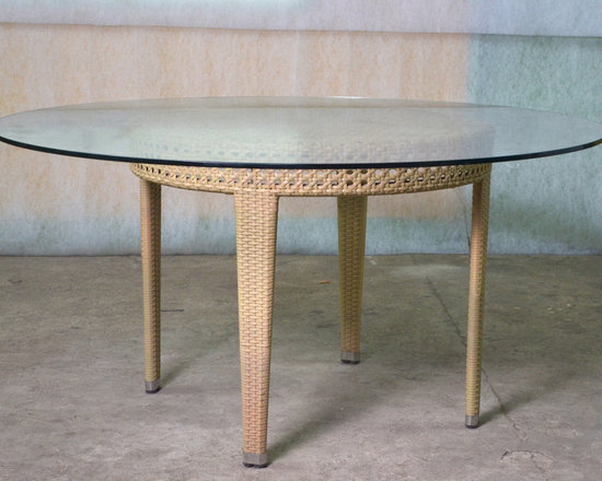 Piolo Dining Table - Hallsol Furniture