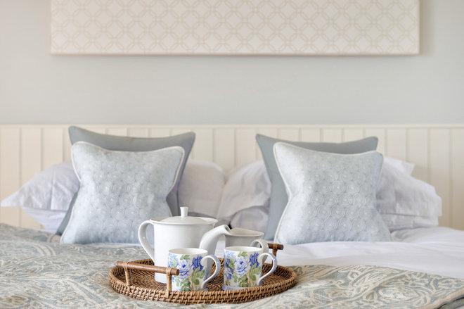 farmhouse bedroom by Robertson Lindsay Interiors