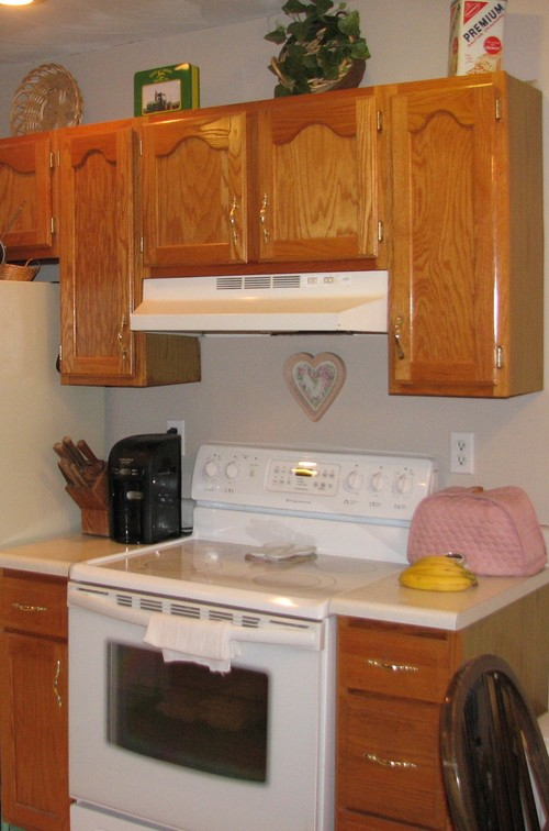 kitchen cabinets to the ceiling or not kitchen cabinets take them up to the ceiling or not 21278