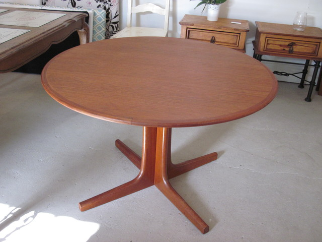 Round Danish Teak Dining Table - Modern - Dining Tables ...