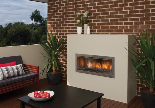 Regency Horizon HZO42 modern outdoor gas fireplace ... on Modern Backyard Fireplace id=19075