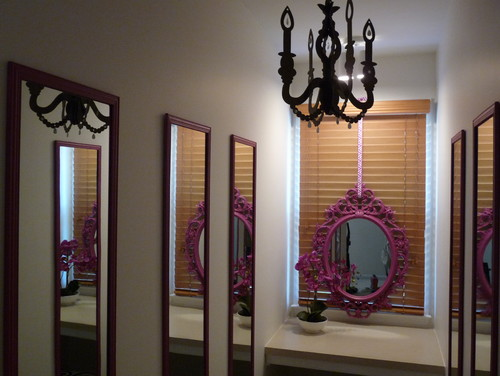 Make A Narrow Room Look Ious By Hanging Multiple Mirrors On Opposite Walls The Create An Illusion Of E And Adds Unique Depth