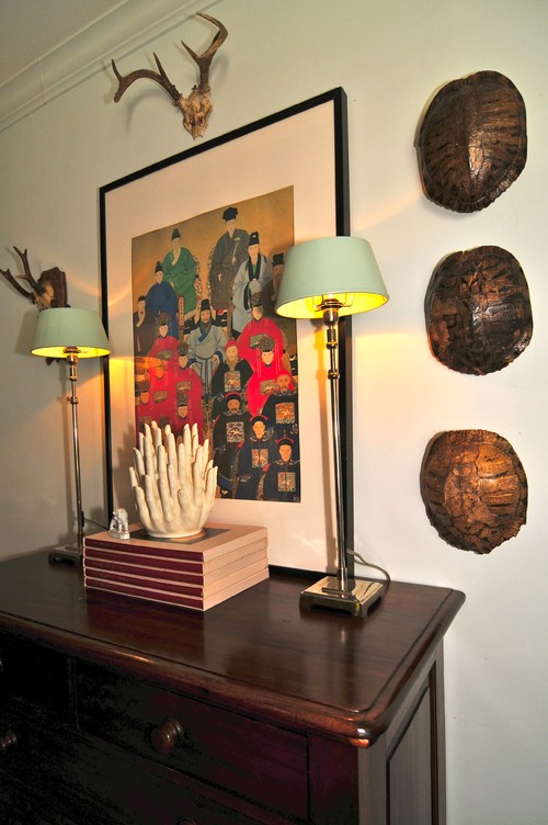 Best Ethnic Cottage Decor: On Antler Chandeliers, Turtle Shells & Taxidermy BD74