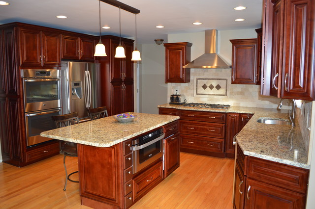 Mahagany Maple Cabinets and granite countertop ... on Granite Countertops With Maple Cabinets  id=51577